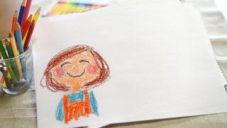 子どもが描いたお母さんの絵の画像
